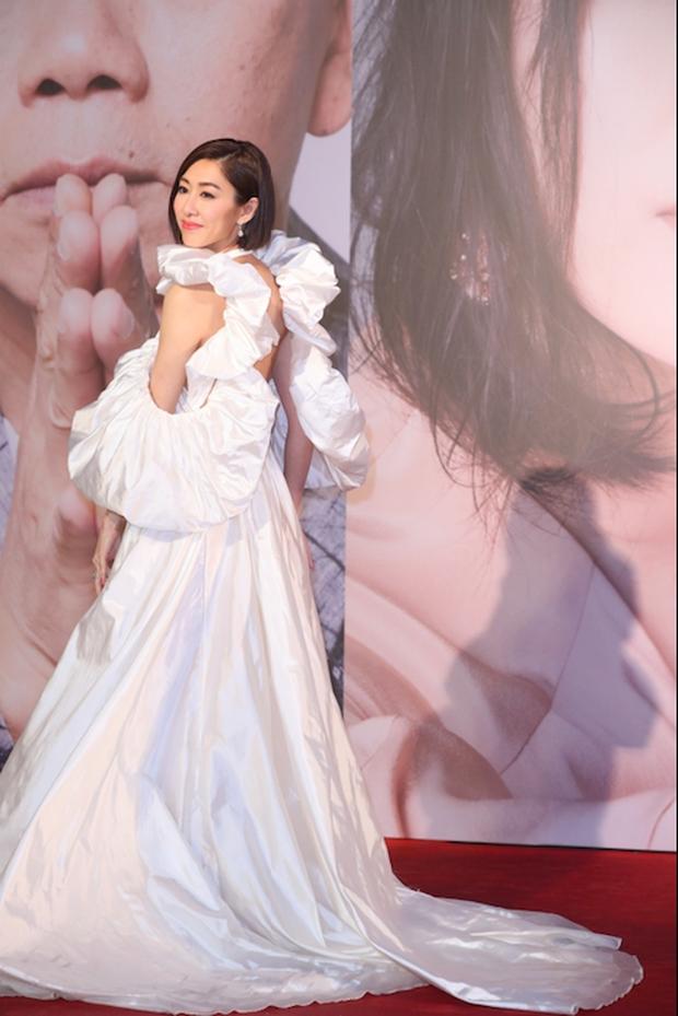 Lễ trao giải Kim Tượng: Song Hye Kyo bị chê hơi dừ, Hồ Định Hân ra sức chặt chém dàn mỹ nhân khoe body hết cỡ - Ảnh 20.