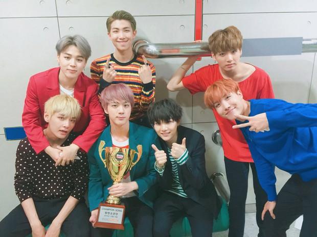 Chậm chân hơn BLACKPINK nhưng BTS vẫn là nhóm nam Kpop đầu tiên có thành tích này - Ảnh 2.