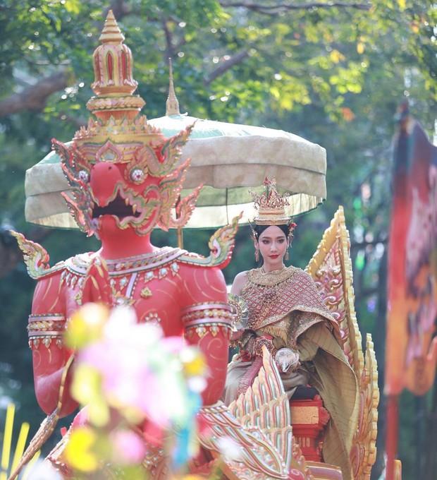 Dàn mỹ nhân đẹp nhất Tbiz hóa nữ thần tại Songkran 2019: Nữ chính Friend zone đỉnh cao nhưng có bằng 5 sao nữ này? - Ảnh 12.