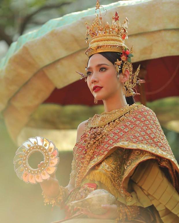 Dàn mỹ nhân đẹp nhất Tbiz hóa nữ thần tại Songkran 2019: Nữ chính Friend zone đỉnh cao nhưng có bằng 5 sao nữ này? - Ảnh 16.