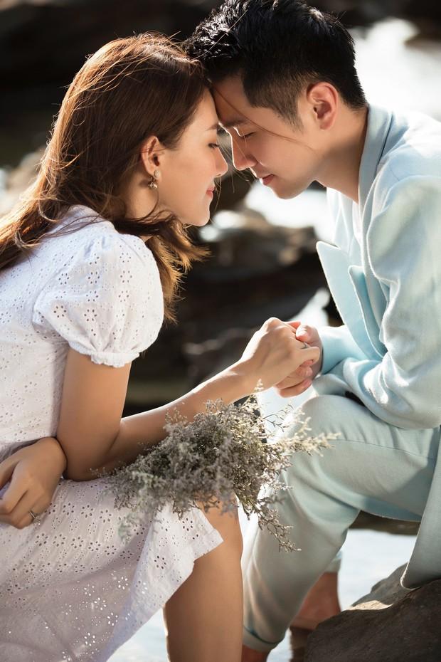 Cận ngày trọng đại, Lê Hà tung trọn bộ ảnh cưới lãng mạn chẳng kém phim Hàn cùng hôn phu điển trai - Ảnh 1.