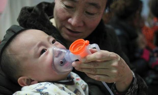 Ô nhiễm giao thông khiến 4 triệu trẻ hen suyễn một năm - Ảnh 1.
