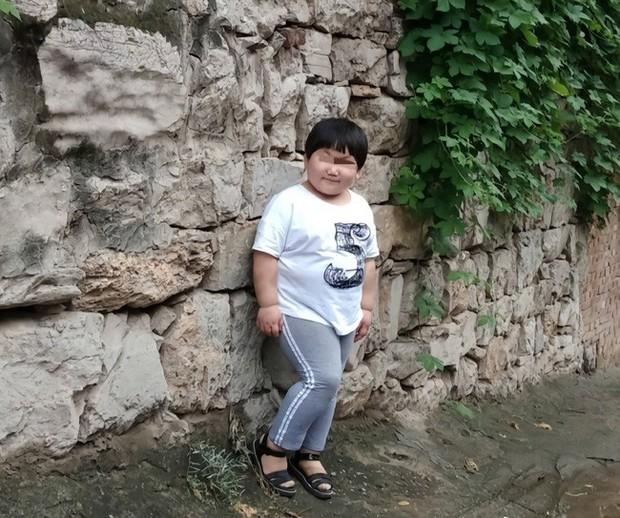 Trung Quốc: Bé gái 6 tuổi chết bất thường sau 2 ngày theo học trường võ thuật của bố Thích Tiểu Long - Ảnh 2.