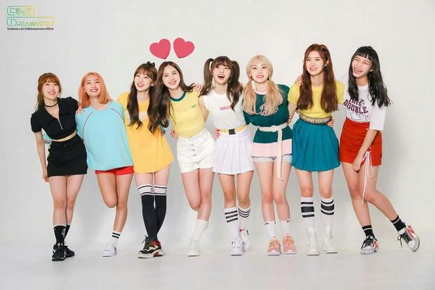 BXH girlgroup hot nhất: Black Pink chễm chệ ở ngôi vương, bất ngờ hơn là màn hoán đổi vị trí ngoạn mục ở top 10 - Ảnh 9.