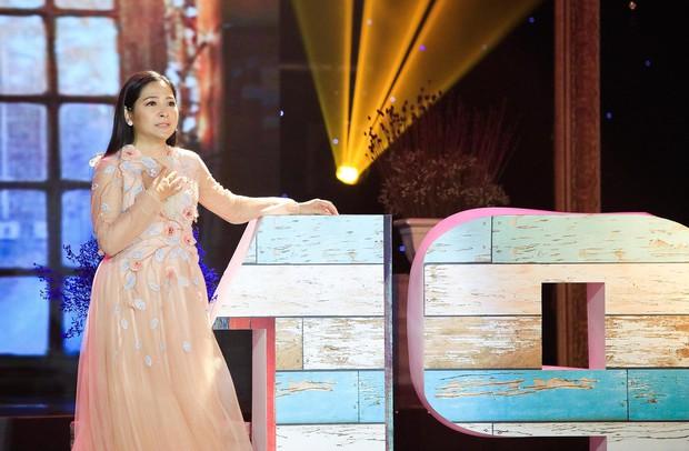 Khép lại 19 năm thanh xuân, MC Quỳnh Hương rơi nước mắt trong số cuối cùng dẫn Thay lời muốn nói - Ảnh 2.