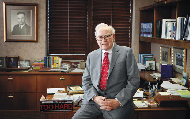 Tỷ phú Warren Buffett: Tuổi trẻ mà thờ ơ với điều này chẳng khác gì bỏ mặc chiếc xe đẹp bên ngoài mưa bão, không thay đổi thì đời bạn sớm trở nên vô dụng - Ảnh 1.
