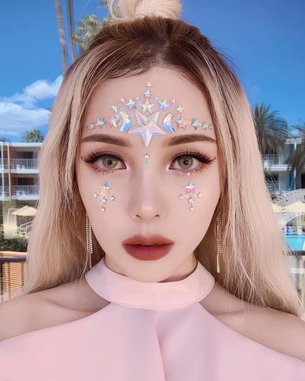 Makeup đỉnh cao, góc nào cũng đẹp thần tiên, Pony xứng đáng được trao danh diệu nữ hoàng châu Á của Coachella năm nay - Ảnh 2.