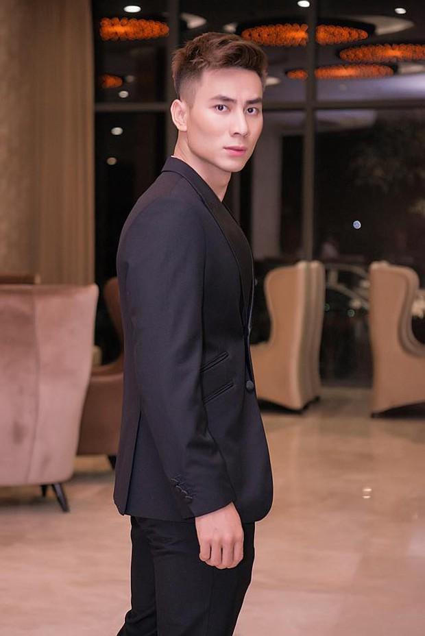 Em họ siêu mẫu Việt phá đảo hội mê trai đẹp với chiều cao 1m85, gương mặt cực khôi ngô - Ảnh 5.