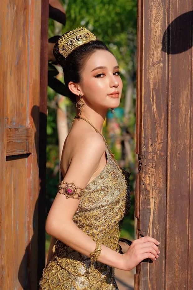 Yoshi diện quốc phục Thái, khoe vẻ ngoài tuyệt sắc xứng danh nữ thần tại Songkran 2019 - Ảnh 6.