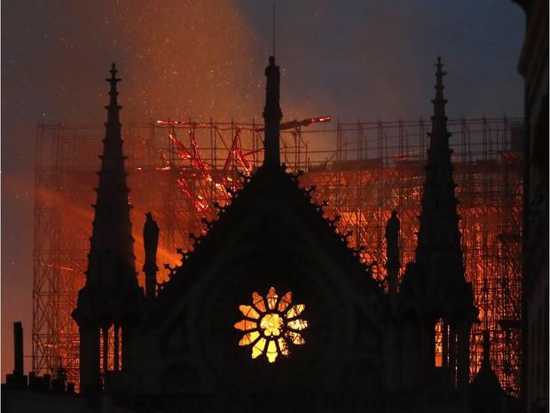 Ngoài việc 850 năm tuổi, Nhà thờ Đức Bà Paris còn chứa nhiều sự thật khiến toàn thế giới phải xót xa - Ảnh 1.