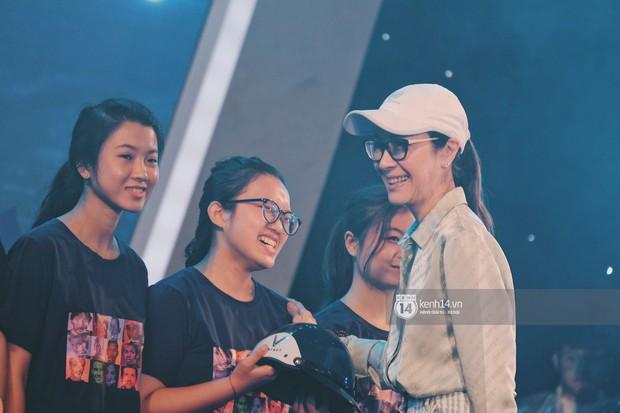Siêu sao Crazy Rich Asians Dương Tử Quỳnh rạng rỡ bên chồng quyền lực, Min và Erik cực nhiệt tại sự kiện ở Hà Nội - Ảnh 11.