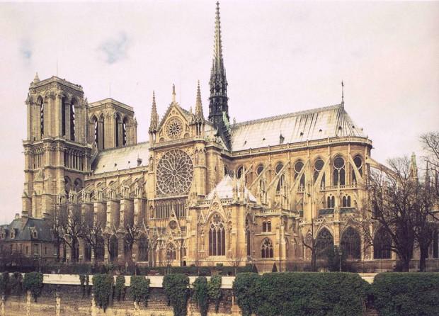 Ngoài việc 850 năm tuổi, Nhà thờ Đức Bà Paris còn chứa nhiều sự thật khiến toàn thế giới phải xót xa - Ảnh 3.