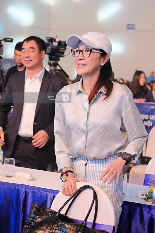Siêu sao Crazy Rich Asians Dương Tử Quỳnh rạng rỡ bên chồng quyền lực, Min và Erik cực nhiệt tại sự kiện ở Hà Nội - Ảnh 4.