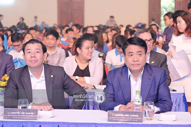 Siêu sao Crazy Rich Asians Dương Tử Quỳnh rạng rỡ bên chồng quyền lực, Min và Erik cực nhiệt tại sự kiện ở Hà Nội - Ảnh 2.