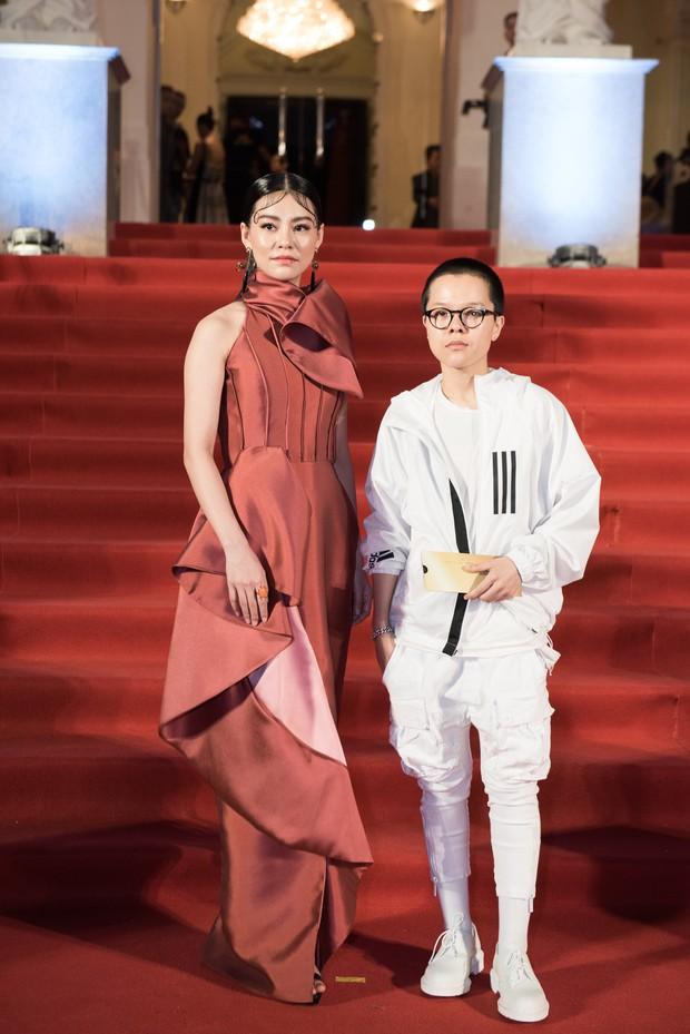 Thảm đỏ sự kiện quy tụ dàn mỹ nhân đình đám Vbiz, ai cũng áo váy lộng lẫy đọ sắc bất phân thắng bại - Ảnh 16.