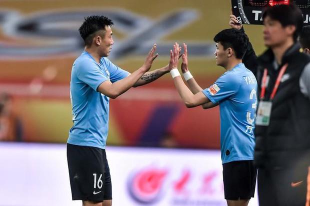 Cầu thủ vào sân 95 giây rồi bị thay ra: Câu chuyện khó tin tại Trung Quốc và cái giá cho việc đốt cháy giai đoạn để tìm những tài năng U23 - Ảnh 1.