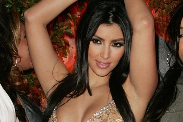 Chiến lược đổi đời của Kim Kardashian: Không phải clip sex, việc làm hầu gái cho Paris Hilton mới là yếu tố quyết định - Ảnh 1.