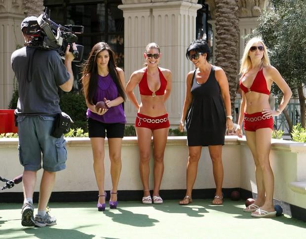Chiến lược đổi đời của Kim Kardashian: Không phải clip sex, việc làm hầu gái cho Paris Hilton mới là yếu tố quyết định - Ảnh 7.