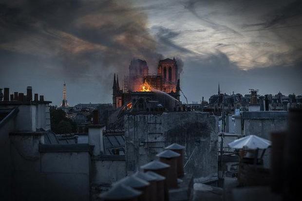 Nước mắt thằng Gù trên tháp chuông nhà thờ Đức Bà: Gần 1000 năm lịch sử, ai sẽ phục dựng lại cho nước Pháp và nhân loại? - Ảnh 4.