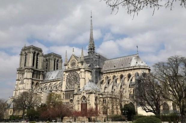 Nhà thờ Đức Bà Paris: 8 thế kỷ thăng trầm trước khi bị lửa dữ nuốt chửng - Ảnh 19.