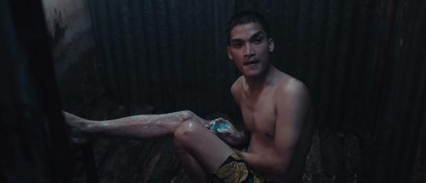 Lật Mặt 4 lọt top 3 phim Việt có doanh thu mở màn cao nhất mọi thời đại, khán giả đồng loạt gọi tên Mạc Văn Khoa! - Ảnh 5.