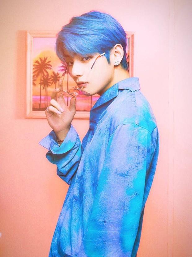 """V (BTS) vượt mặt mặt mọi soái ca Trung, Thái giành danh hiệu """"Sao nam có gương mặt thời trang nhất châu Á"""" - Ảnh 2."""