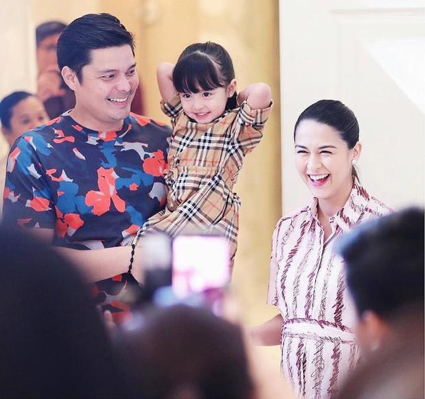 Cơn sốt vợ chồng mỹ nhân đẹp nhất Philippines: Yêu tựa phim, cưới như hoàng gia, 2 thiên thần nhỏ vừa ra đời đã quá nổi - Ảnh 15.