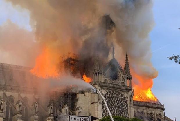 Cháy nhà thờ Hồi giáo hơn 2.000 năm tuổi cùng thời điểm hỏa hoạn xảy ra tại Nhà thờ Đức Bà Paris - Ảnh 3.
