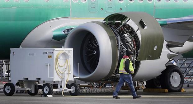 Tổng thống Trump ủng hộ ý tưởng đổi tên máy bay Boeing 737 Max  - Ảnh 1.