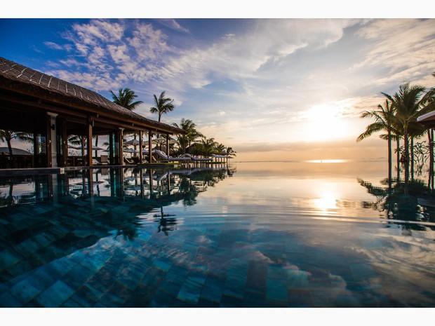 Top bể bơi vô cực đẹp nhất châu Á: Một khách sạn ở Cam Ranh được vinh danh, không thua kém đại diện từ Bali hay Maldives - Ảnh 7.