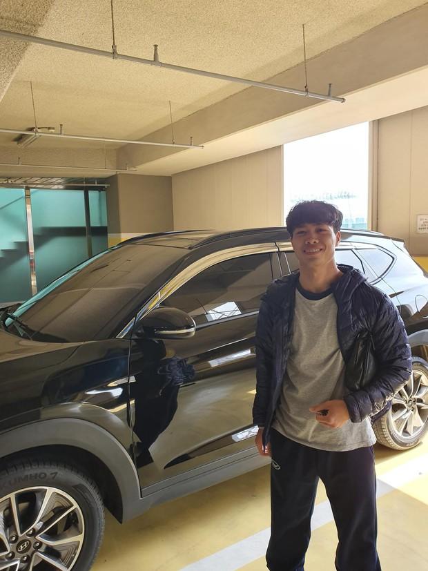 Công Phượng kể về trải nghiệm lái xe tại Hàn Quốc: Tôi phải treo biển mới lái xe để... cảnh báo - Ảnh 2.