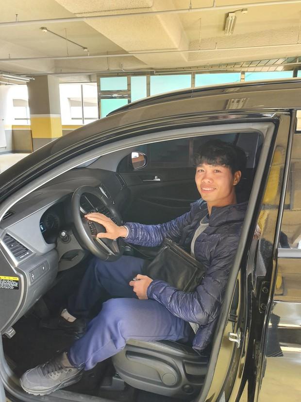 Công Phượng kể về trải nghiệm lái xe tại Hàn Quốc: Tôi phải treo biển mới lái xe để... cảnh báo - Ảnh 3.