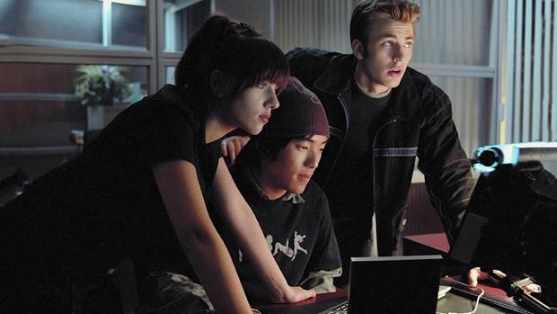 Nâng điểm đã là gì, học sinh trên màn ảnh còn dùng cả công nghệ 4.0 để hack kết quả nữa kìa - Ảnh 10.
