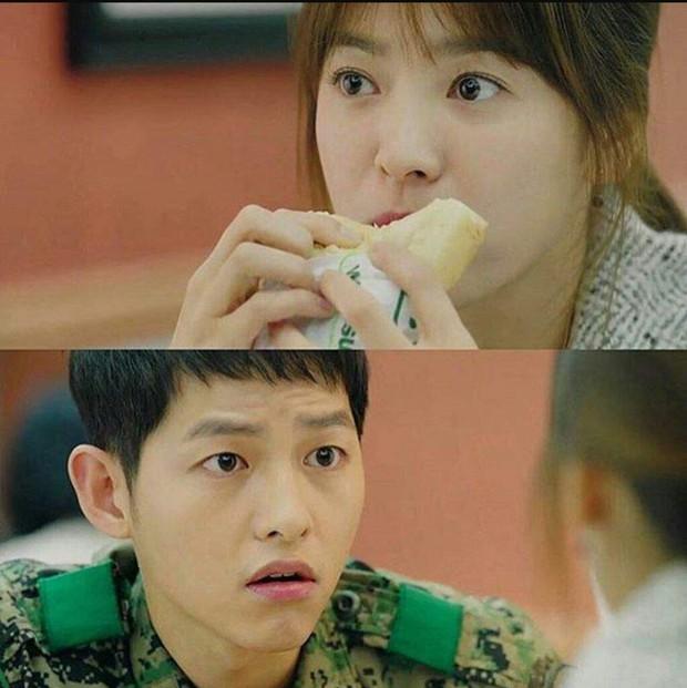 Để ý kỹ thì thấy có một hãng thức ăn nhanh lúc nào cũng xuất hiện trên phim Hàn Quốc với tần suất dày đặc - Ảnh 4.