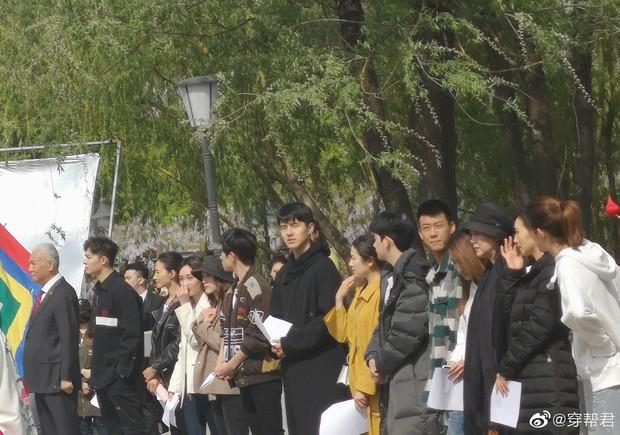 1 khung hình, cả bầu trời thanh xuân Cbiz thế hệ mới: Dư Hoài, Châu Châu, Dịch Dương Thiên Tỉ khiến fan loá mắt - Ảnh 2.