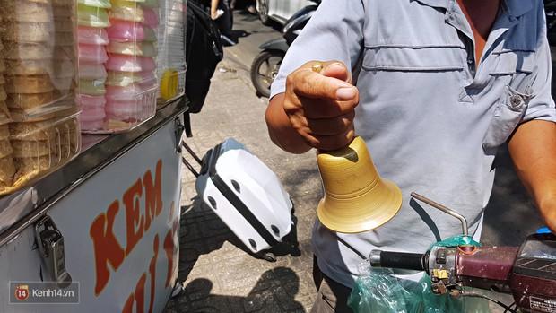 Hỡi những đứa trẻ Sài Gòn, đã bao lâu rồi các bạn chưa nghe tiếng chuông leng keng thân thương của xe kem dạo? - Ảnh 3.