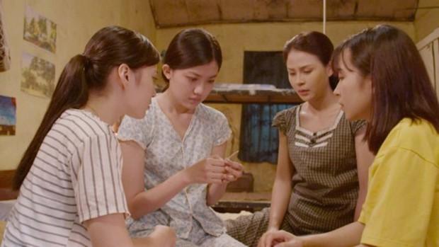 Kết phim của Những Cô Gái Trong Thành Phố đơn giản như một... bài thuyết trình nhóm - Ảnh 6.
