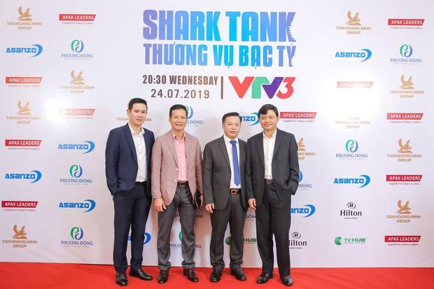 Shark Tank mùa 3: Info cá mập mới toanh từng chụp ảnh, bưng phở mưu sinh trước khi trở thành chủ tịch tập đoàn - Ảnh 1.