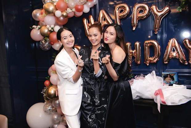 Dàn chân dài Next Top mùa đầu hội ngộ mừng sinh nhật Tuyết Lan, sau gần 10 năm vẫn gắn bó như chị em - Ảnh 9.
