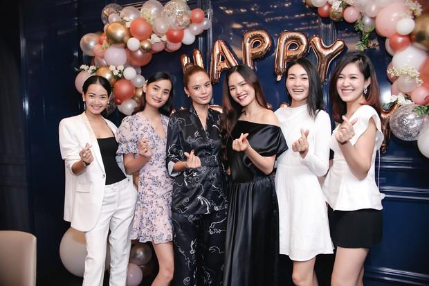 Dàn chân dài Next Top mùa đầu hội ngộ mừng sinh nhật Tuyết Lan, sau gần 10 năm vẫn gắn bó như chị em - Ảnh 3.
