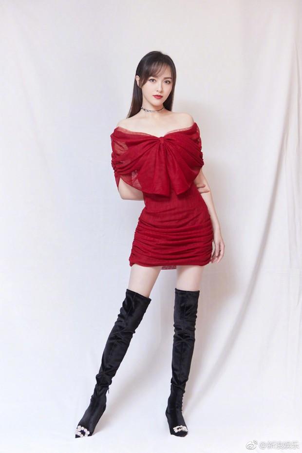 Những đôi chân cực phẩm của showbiz Hoa ngữ: Không ngờ Đường Yên lại thắng thế trước mỹ nam cao 1m87 này - Ảnh 6.
