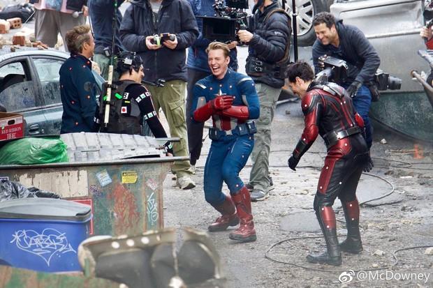 Cả dàn siêu anh hùng Marvel chỉ duy nhất một người cầm trọn kịch bản Endgame - Ảnh 4.