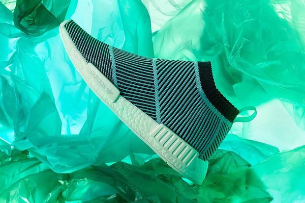 Khi thời trang lên tiếng: 'Gã khổng lồ' Adidas và lời hứa sản xuất 11 triệu đôi giày tái chế từ rác thải nhựa trong năm 2019 - Ảnh 13.