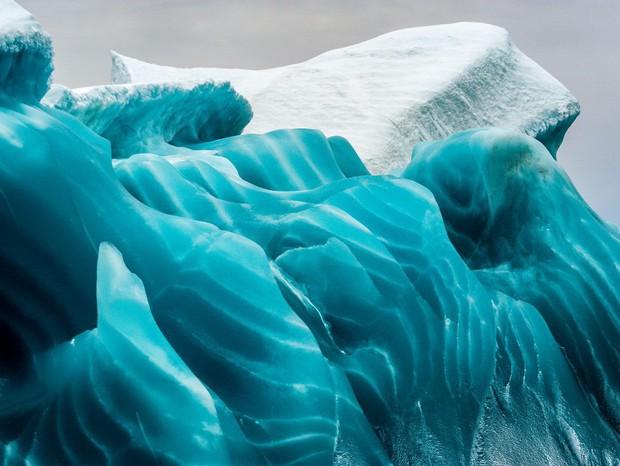 Cực độc tảng băng ngọc lục bảo tuyệt mỹ ở Nam Cực: Phải may mắn lắm mới có thể bắt gặp khoảnh khắc này! - Ảnh 2.