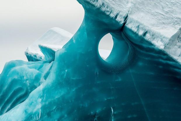 Cực độc tảng băng ngọc lục bảo tuyệt mỹ ở Nam Cực: Phải may mắn lắm mới có thể bắt gặp khoảnh khắc này! - Ảnh 3.