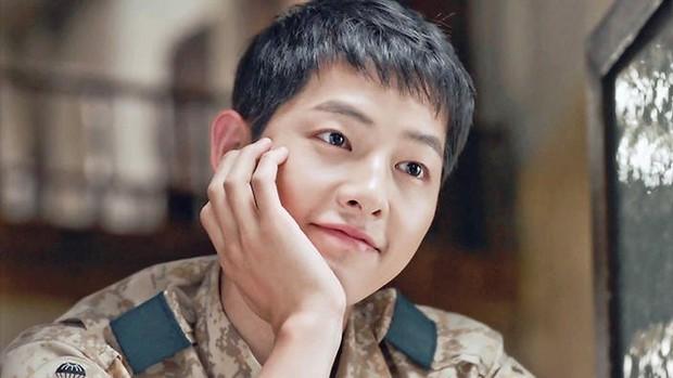 Quên đại úy Song Joong Ki đi, Dương Dương mới là quân nhân điển trai xuất sắc nhất Châu Á! - Ảnh 1.