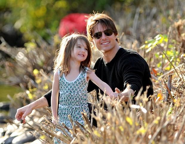 Nhất quyết không gặp mặt Suri, Tom Cruise vẫn thầm lặng thể hiện hành động tình cảm này nhân dịp sinh nhật con gái - Ảnh 1.