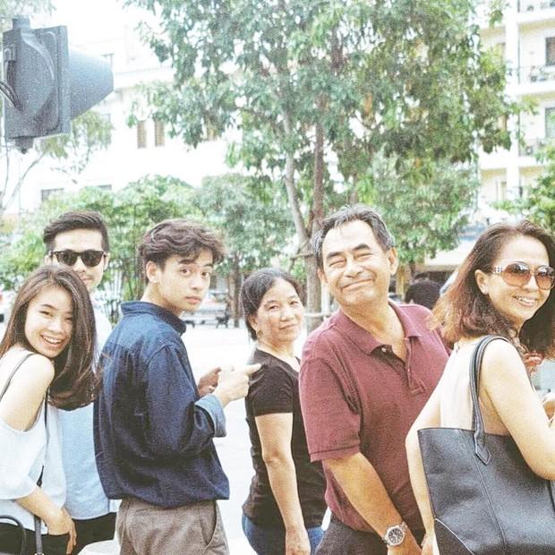 """Kelbin Lei, Tim Phạm và Huyền Baby đã mở ra """"kỷ nguyên mới"""" của chụp ảnh gia đình: Nếu không chất như đi Fashion show thì cũng đẹp như bìa tạp chí - Ảnh 20."""