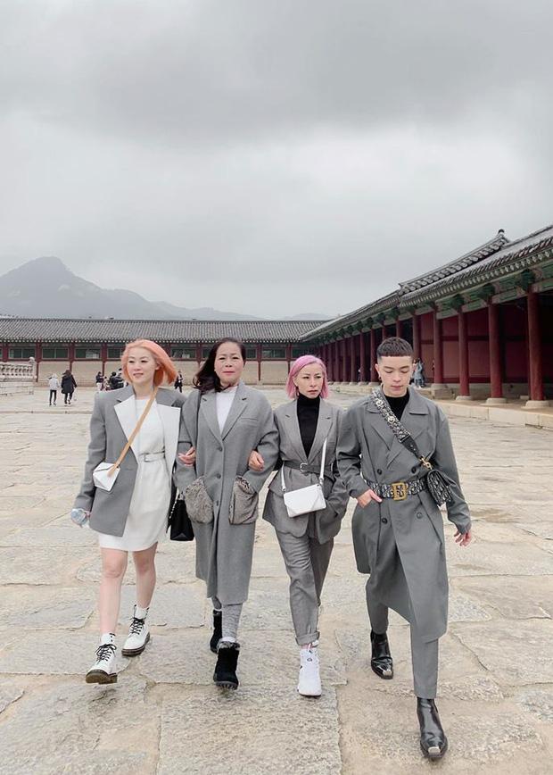 """Kelbin Lei, Tim Phạm và Huyền Baby đã mở ra """"kỷ nguyên mới"""" của chụp ảnh gia đình: Nếu không chất như đi Fashion show thì cũng đẹp như bìa tạp chí - Ảnh 9."""