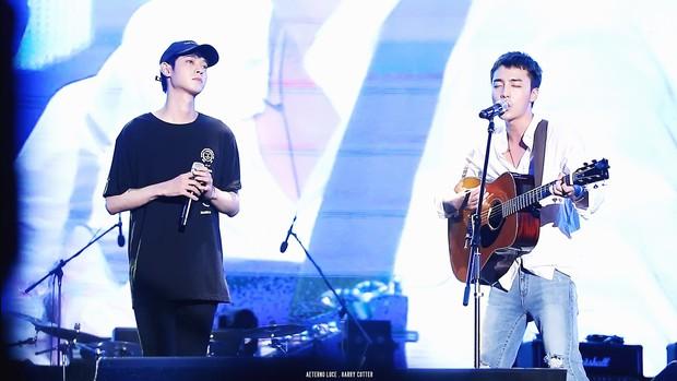 """Nam ca sĩ bị phanh phui có trong phòng chat """"bẩn"""" của Seungri: """"Thánh ballad xứ Hàn"""", được em út BTS mê mẩn tới nỗi cover hit """"khủng"""" - Ảnh 9."""